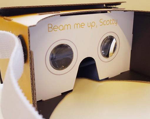 VRMaster-V3-Oranje-slogan-Google-Cardboard-600px