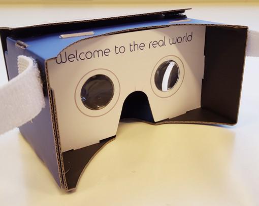 VRMaster-V3-Donkerblauw-slogan-Google-Cardboard-600px